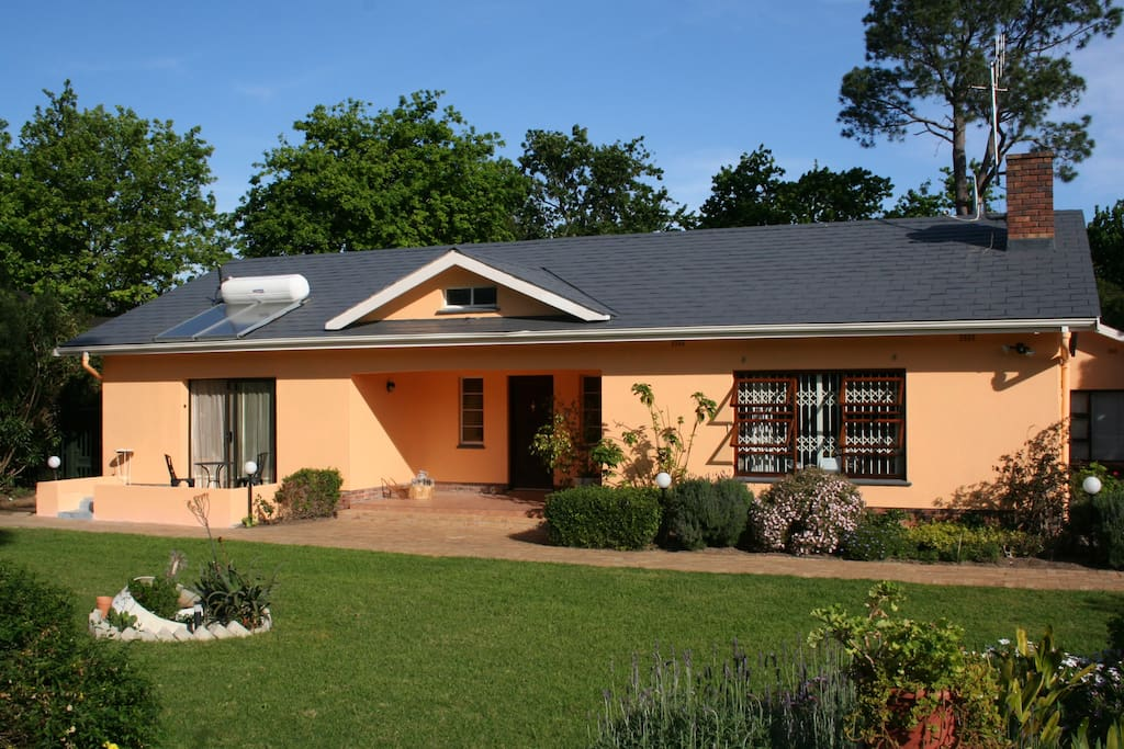 Guesthouse Windermere Quinns Holiday Home in Somerset West