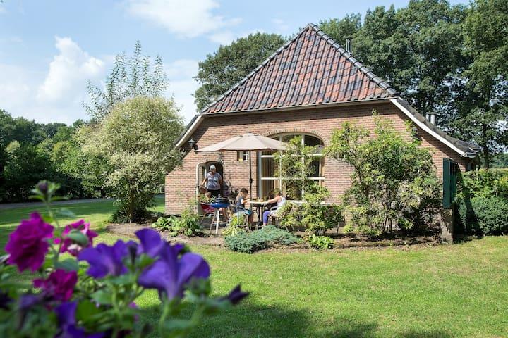 8 persoons vakantieboerderij in Nijverdal