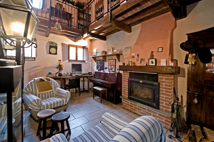 Nice  country house near Milan  - Pieve Porto Morone - Dům