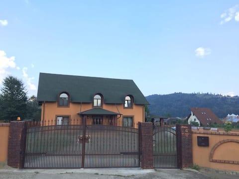 Beautiful house near Gura Humorului