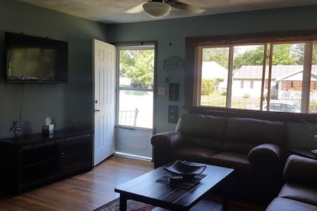 Cozy Home Minutes From Downtown & Brewery District - Utica