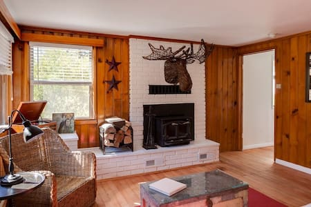 Kodiak's Cottage ... a 1920s Classic - Big Bear Lake - Rumah Tamu