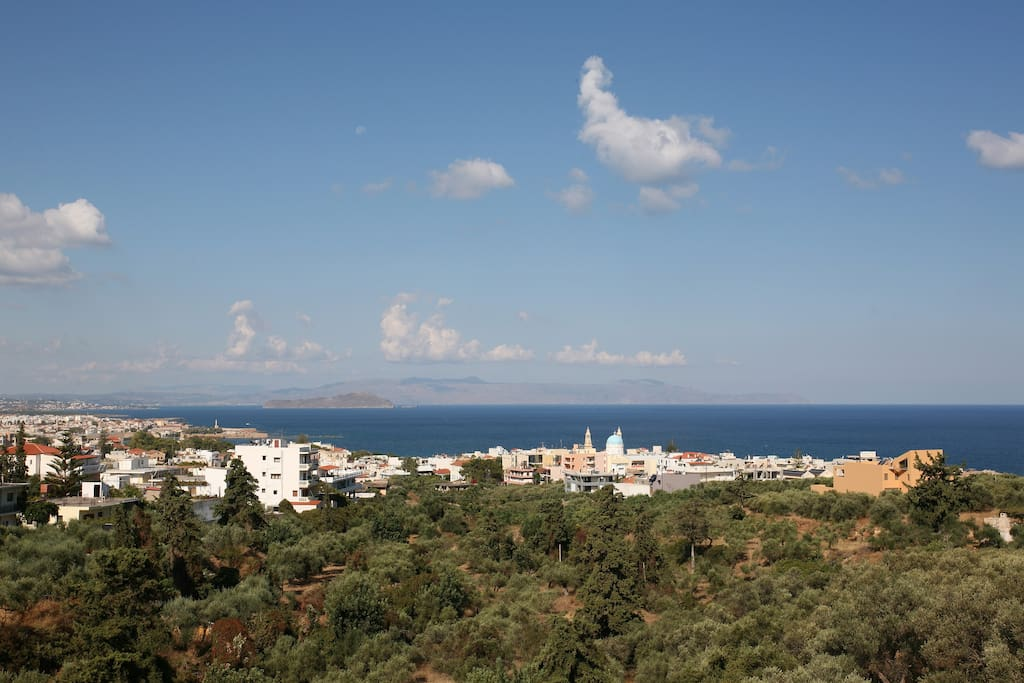 Closer view to the city and the sea.