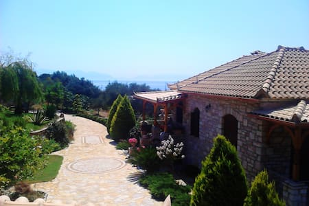 VillaStone apartment in Koroni. - Κορώνη