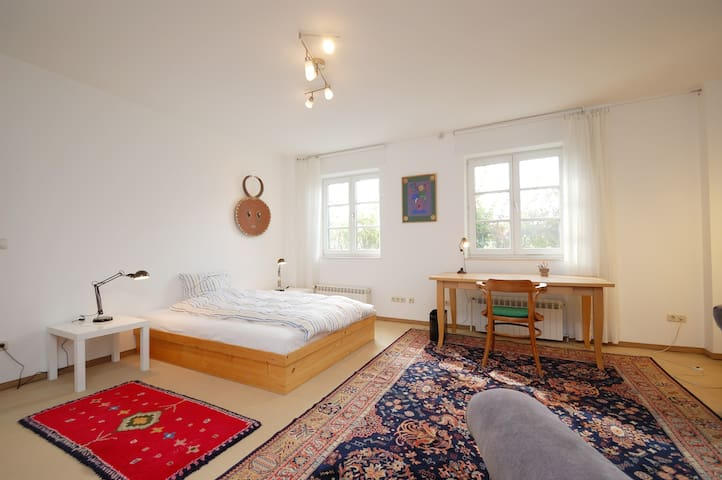 sunny 2 1/2 rooms country-flat  - Fahrenzhausen - Apartament