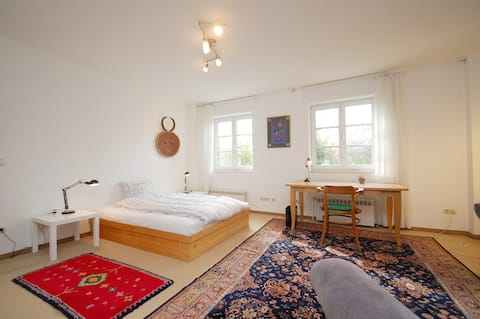 sunny 2 1/2 rooms country-flat