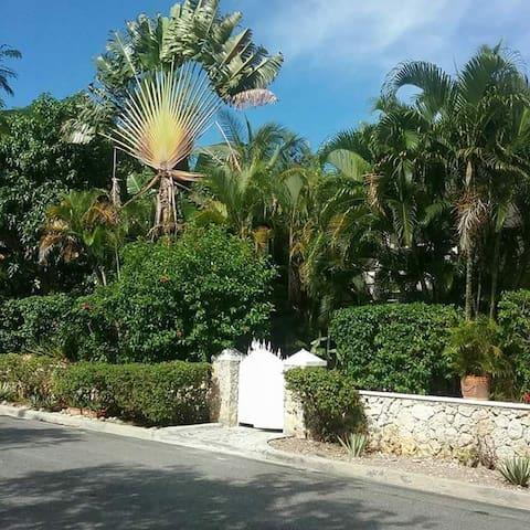 Mango House - Dominicus - Apartemen