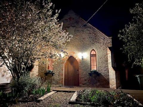 ニューステッド  教会ヴィクトリア