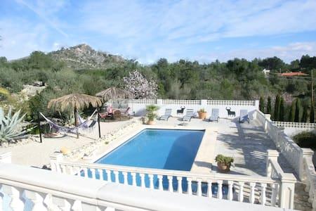Fraaie villa, op schitterende plek met bergzicht - Murla - Villa