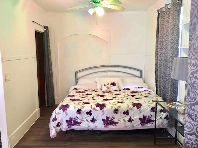 Cozy Studio with King Size Bed in Gloversville, NY