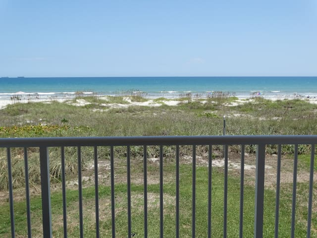 AMAZING Direct Oceanfront Condo #61 - Cocoa Beach - Apartamento