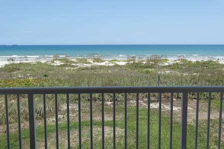 AMAZING Direct Oceanfront Condo #61 - Cocoa Beach - Appartement
