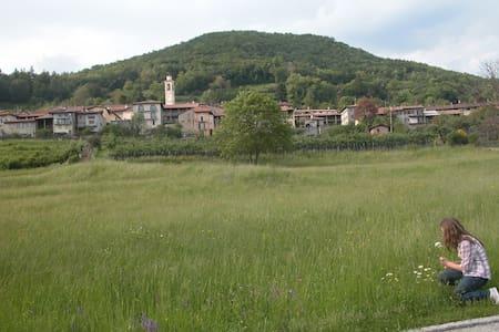 Meride, Monte S.Giorgio, relax nel silenzio