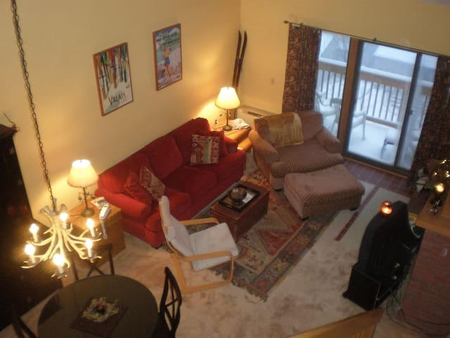 MOUNT SNOW CHALET/LOFT  CONDO - West Dover - Apartment