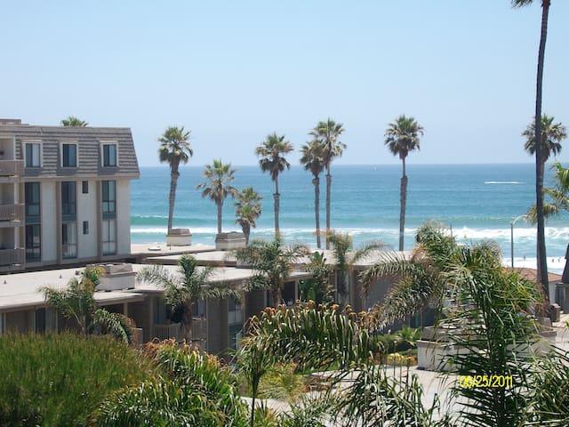 Oceanview,resort style condo - Oceanside - Apartamento
