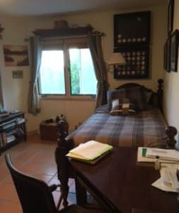 Wilburn House Private Bedroom and Bathroom - Los Alamos - 独立屋