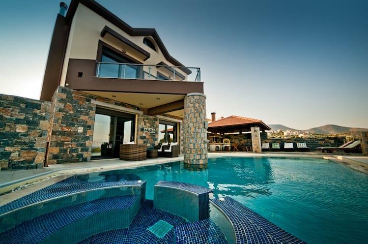 Villa St Nicolas 4 bedroom villa. - Agios Nikolaos - House