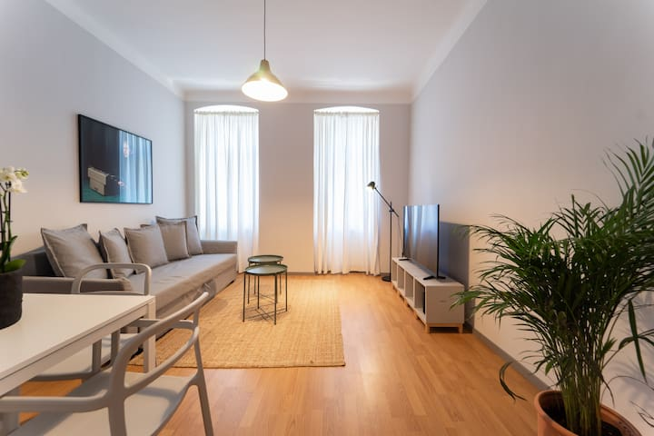 Modern and Charming Apartment - CLOSE TO CENTER