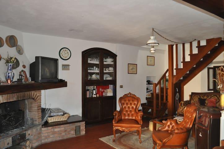 Accogliente casa a Gaggio Montano - Gaggio Montano - House