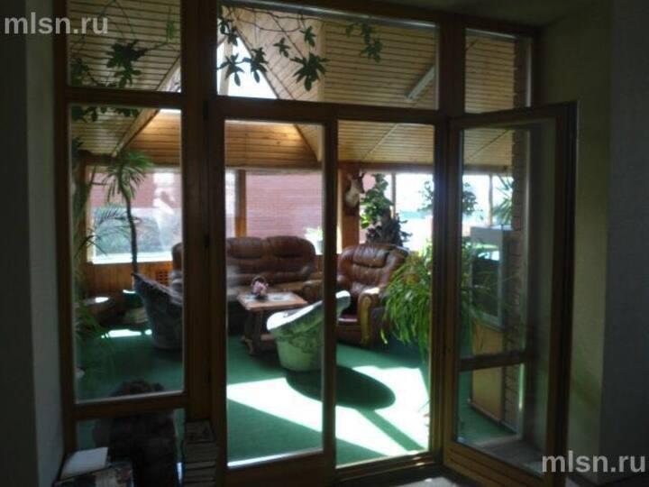 Комфортный коттедж. Luxury rooms, fireplace, pool.