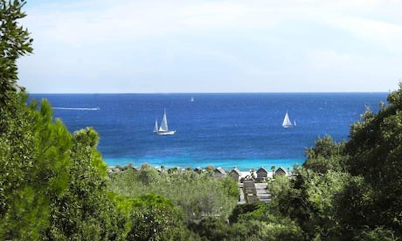 Luxe Strandhut Kon Tiki St Tropez