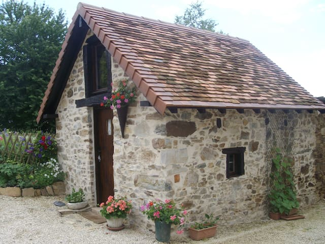 Charming converted bread oven - Saint-Mesmin