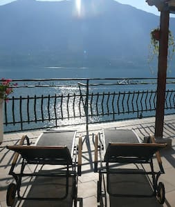 Casa Romantica -Terrace 40sqm, wonderful lake view - Dervio - Flat