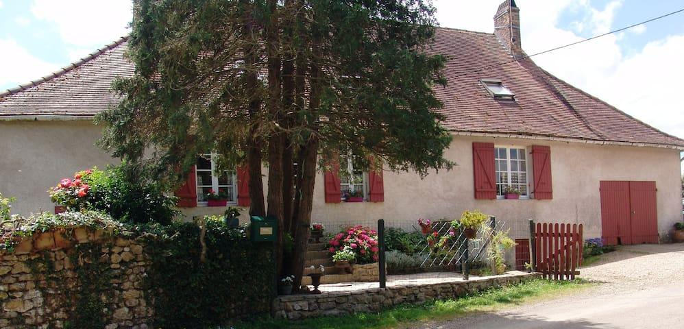 La Griaude chez Philippe & Eliane - Chougny - Haus