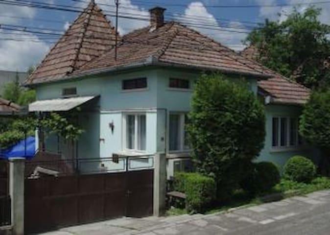 Önálló családi ház Szovátán - Sovata - Hus