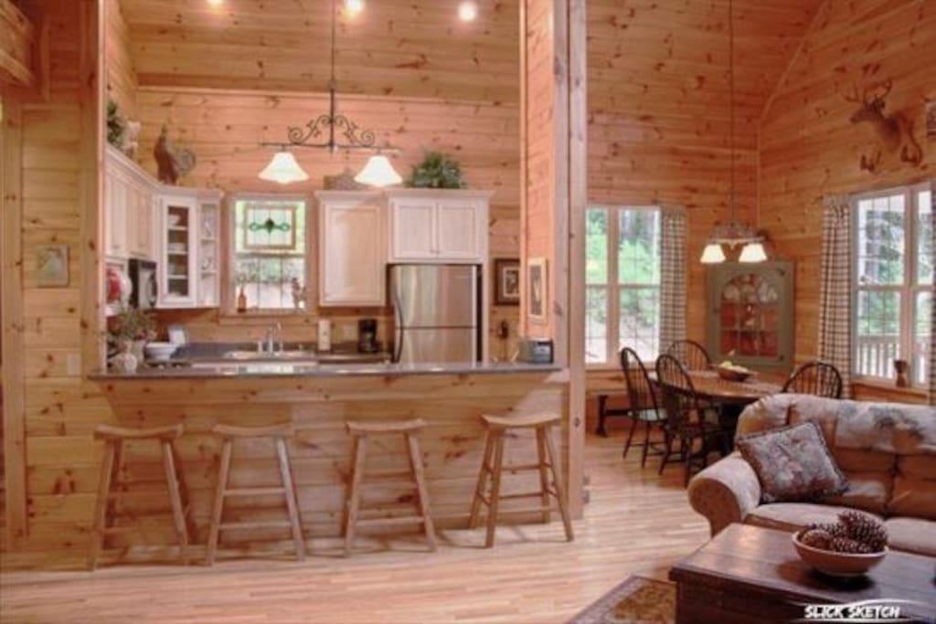 Coon`s Den Kitchen/Dining-North Georgia Cabin Rental