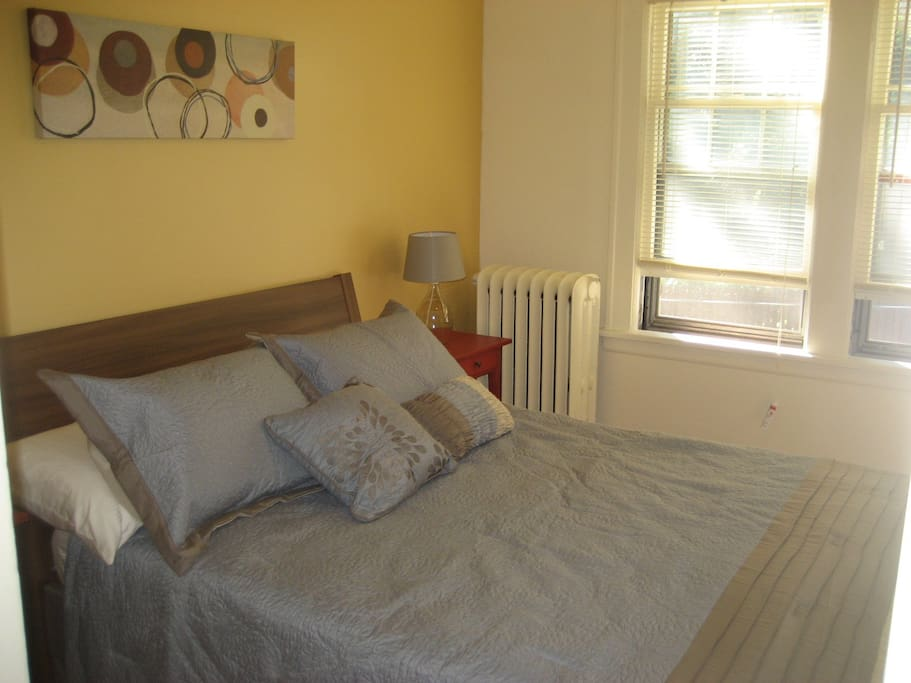 Bedroom 2, full size bed