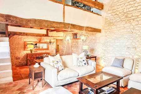 Loire Valley year-round country loft near Chinon