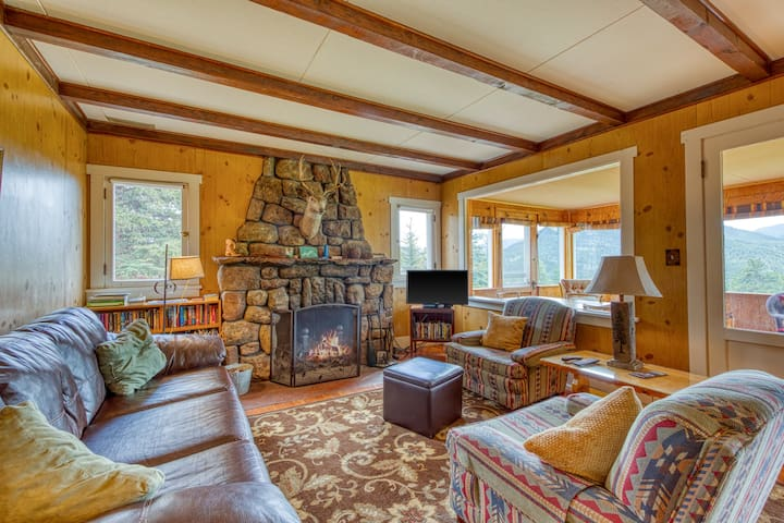 Charming family vacation home close to Rocky Mountain National Park
