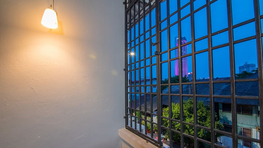 HuttonSTAY@Penang |Room5+Shower| Best LocWiFi Ac