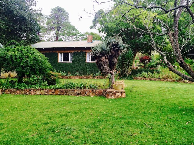 Tegwaan - Stone Cottage