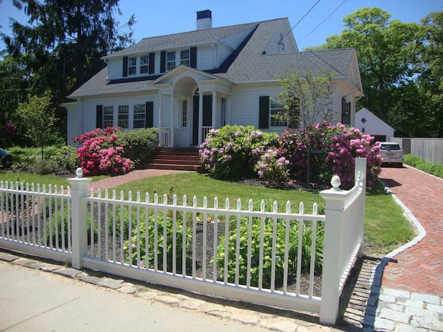 Downtown Historic Captain's House - Tisbury - Hus