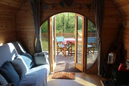 Pod with Hot tub in woodland near Alton Towers.