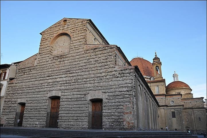 The famous basilica of San Lorenzo, very near the apartment