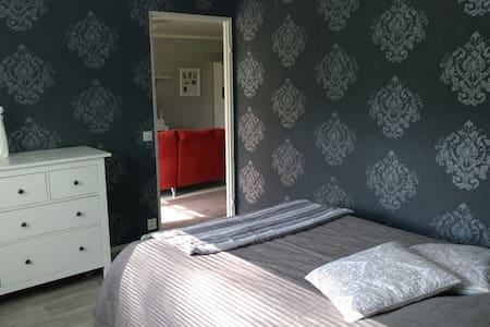 Cozy apartment 8km from Jyväskylä centrum - Jyväskylä - Reihenhaus