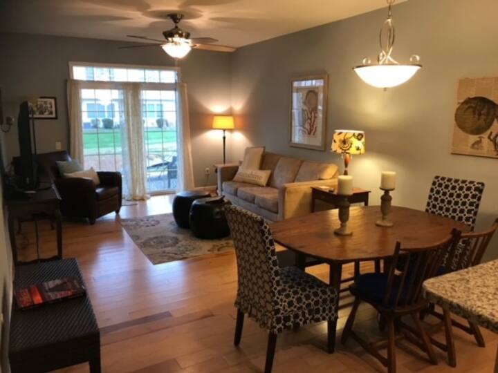 NEW LISTING-Rehoboth Dog Friendly 1st Floor Condo