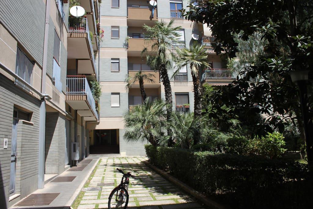 cortile di accesso all'appartamento