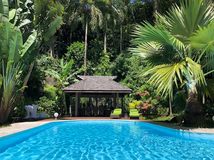 Villa Jo Mahina with pool
