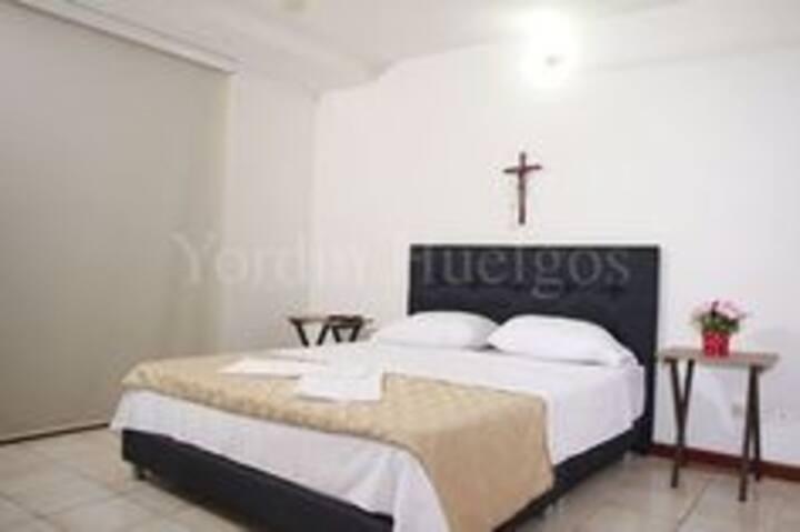 Confortable y amplia habitación privada.