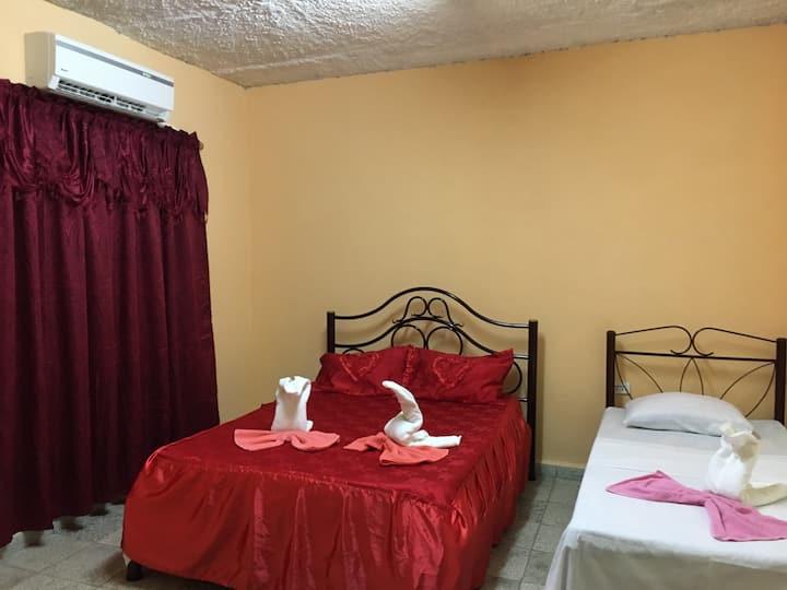 Hostal Cienfuegos Colon Habitación Roja