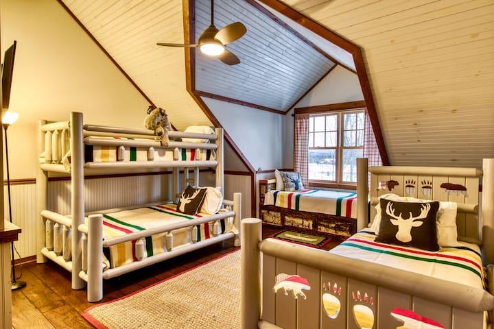 Hudson Bay Bunk Suite