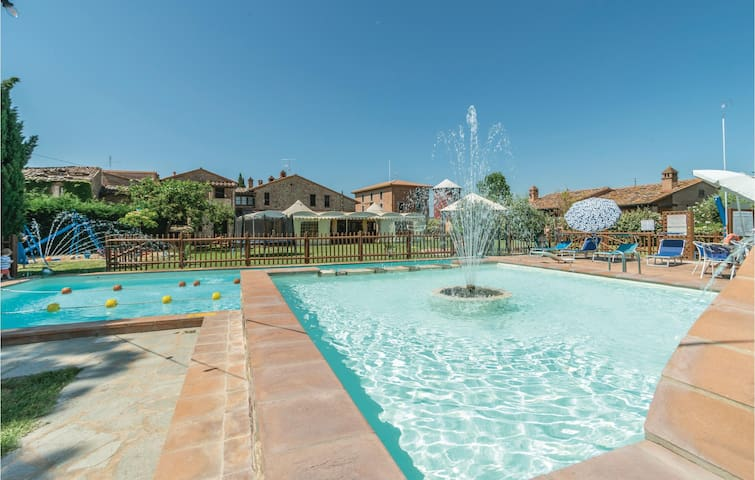 Holiday apartment with 2 bedrooms on 65m² in C. del Lago (PG)