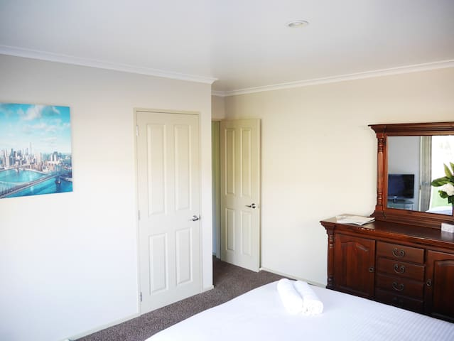 Luxurious Private Room Near Airport - Auckland - Rumah