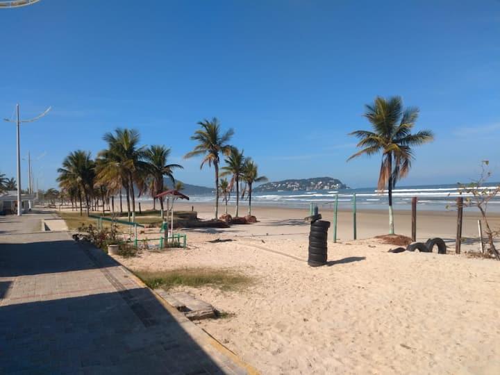Casa de Condomínio Guarujá 50 metros da Praia