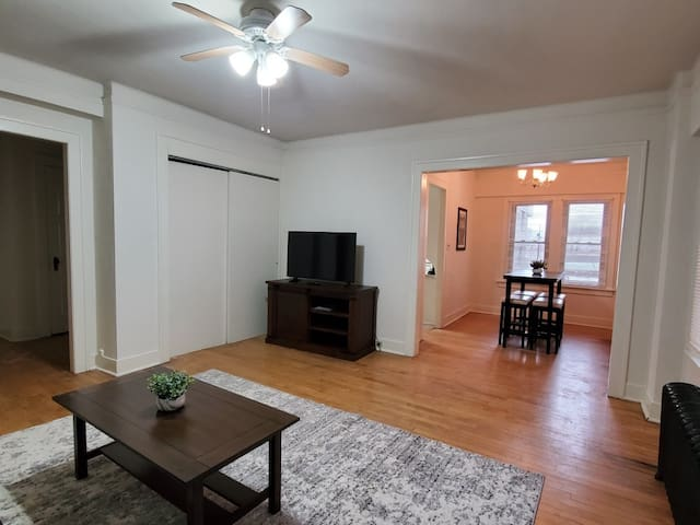Downtown Apartment! Stones throw from the Lake!