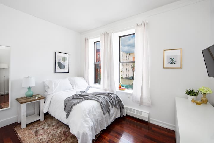 Stylish Private bedroom in Harlem! 3B-2